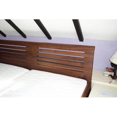 Bett in Nußbaum, Pirmasens